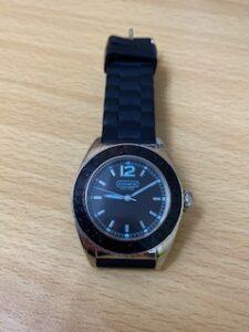 ブランド品&金・プラチナ買取マート岡崎店で買取した、ブランド品、コーチの時計です。