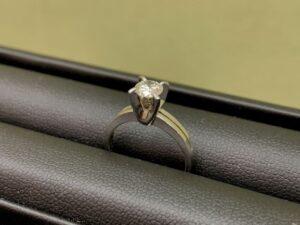 ブランド品&金・プラチナ買取マート豊田ギャザ店で買取した貴金属プラチナ製ダイヤリング