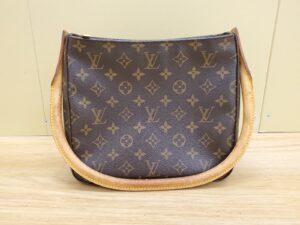 ブランド品&金・プラチナ買取マート豊明店で買取したルイヴィトン モノグラム ルーピングのハンドバッグです。