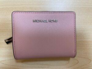 ブランド品&金・プラチナ買取マート豊田ギャザ店で買取したマイケルコースの財布です