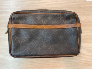ブランド品&金・プラチナ買取マート豊明店で買取したルイヴィトンというブランドのセカンドバッグ