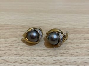 ブランド品&金・プラチナ買取マート豊田ギャザ店で買取した貴金属、18金ブラックパールイヤリングです