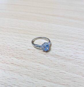 ブランド品&金・プラチナ買取マート岡崎店で買取した貴金属:プラチナ850色石付きリング