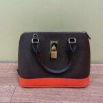ブランド品&金・プラチナ買取マート岡崎店で買取したブランド品:サマンサタバサの2ウェイバッグ